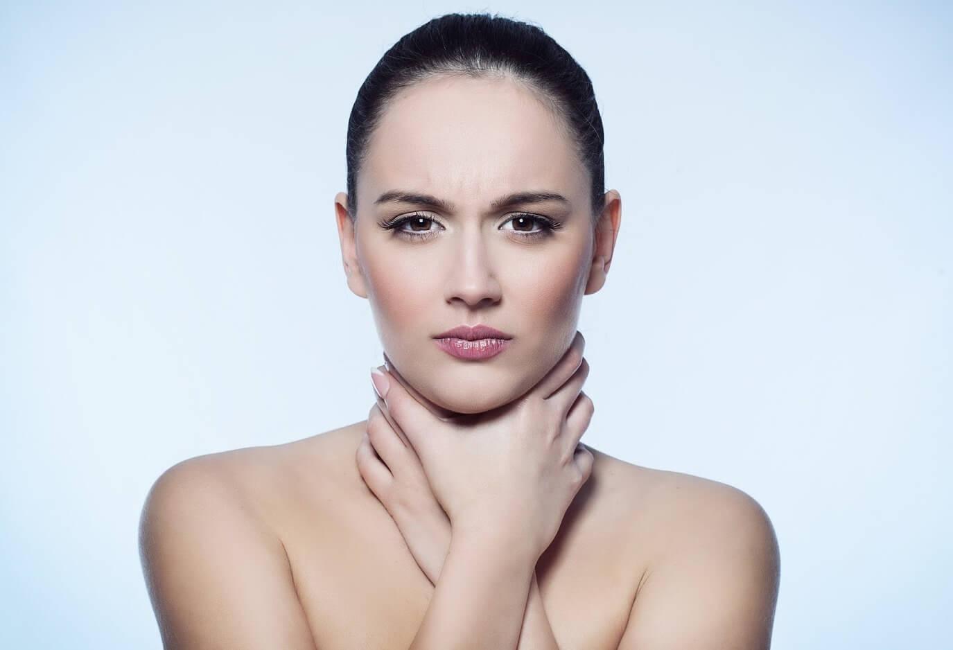 Быстрая помощь при боле в горле, или как предотвратить серьёзные последствия