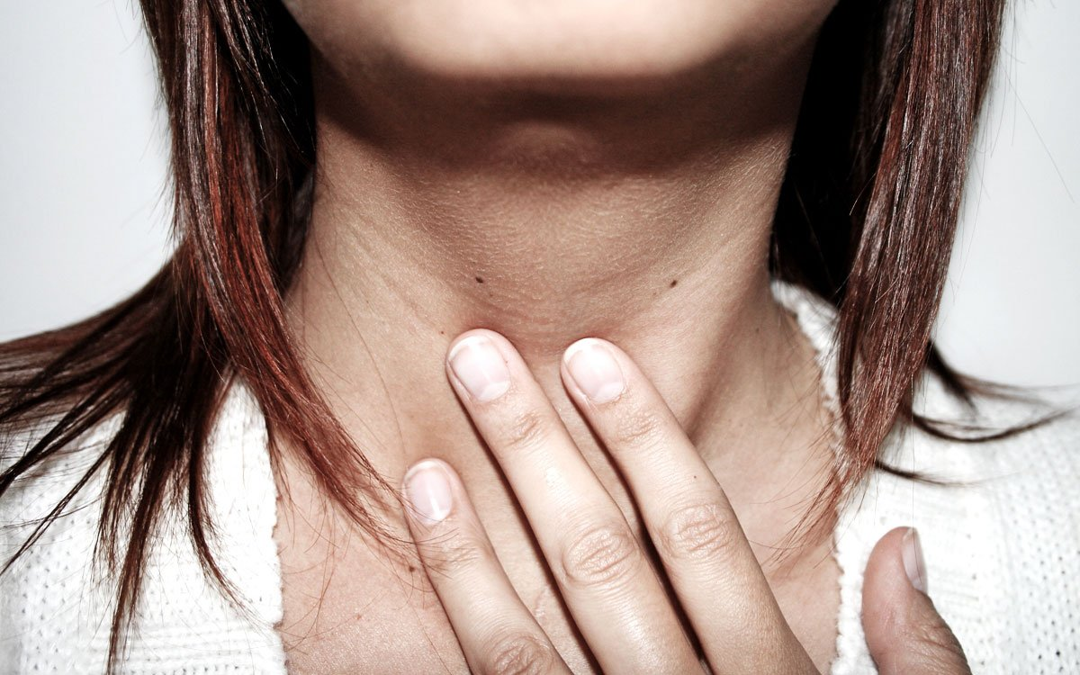что вызывает боль в горле