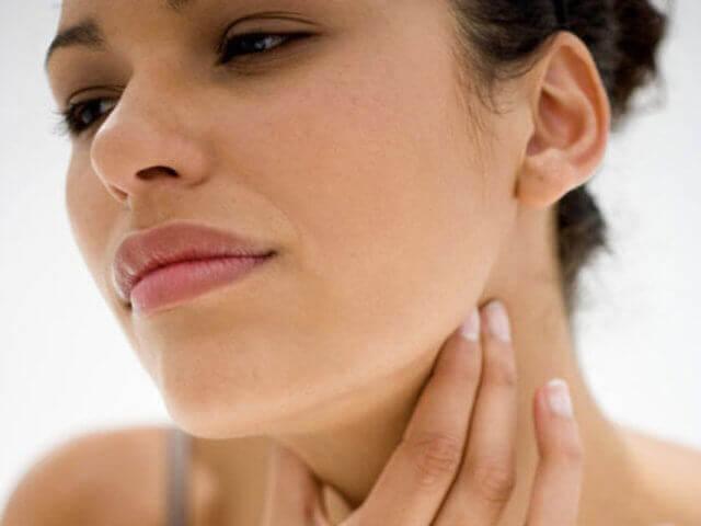 Распространенные причины болей в горле