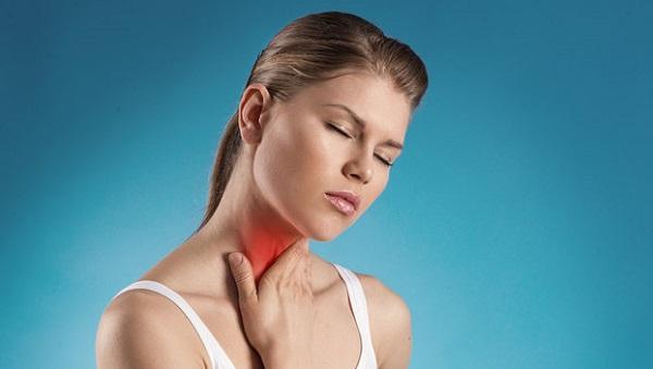 Как правильно лечить горло