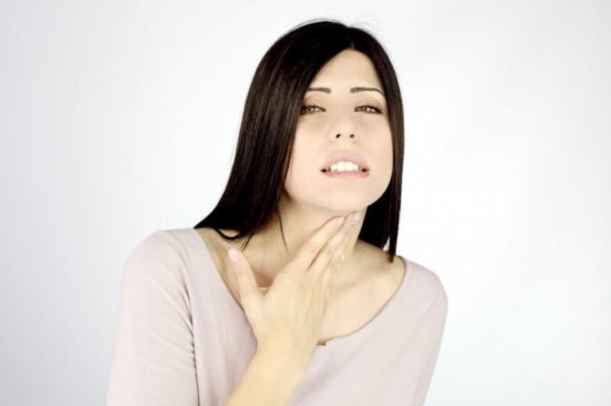 Как избавиться от синдрома раздраженного горла?