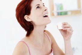 Что полезнее для горла: таблетки, полоскание или спрей?