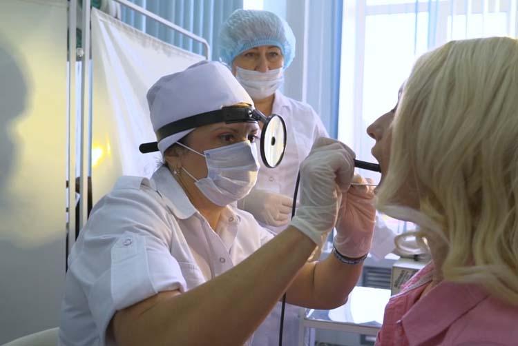 Консультация врача при боли в горле